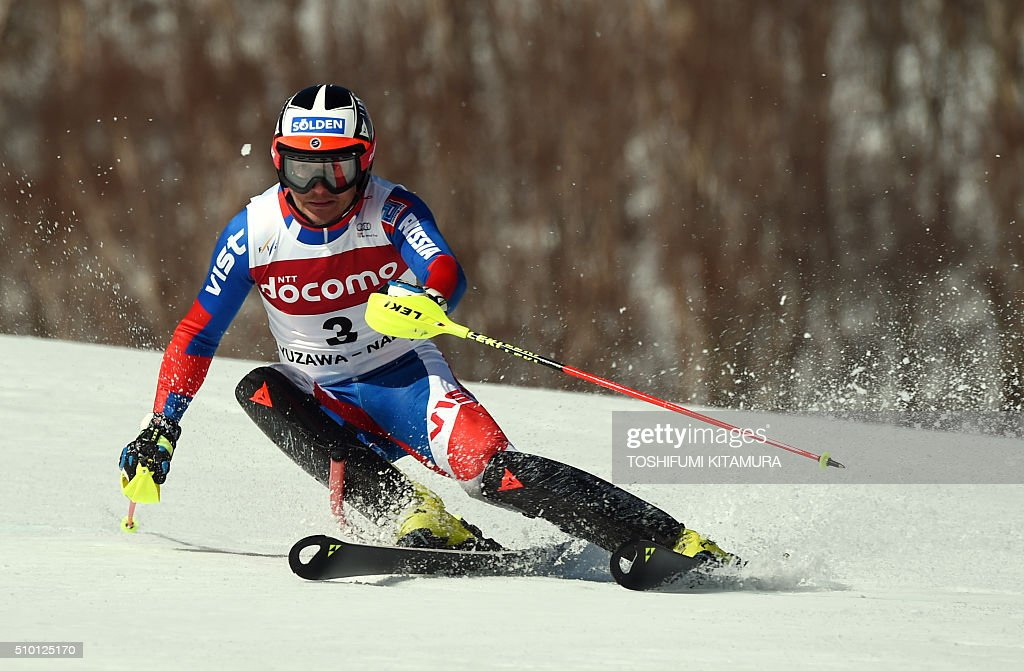 Alexander Khoroshilov of Russia skies down the course during the FIS Ski World Cup 2015/2016 men's slalom competition first run at the Naeba ski resort in Yuzawa town, Niigata prefecture on February 14, 2016. AFP PHOTO / TOSHIFUMI KITAMURA / AFP / TOSHIFUMI KITAMURA