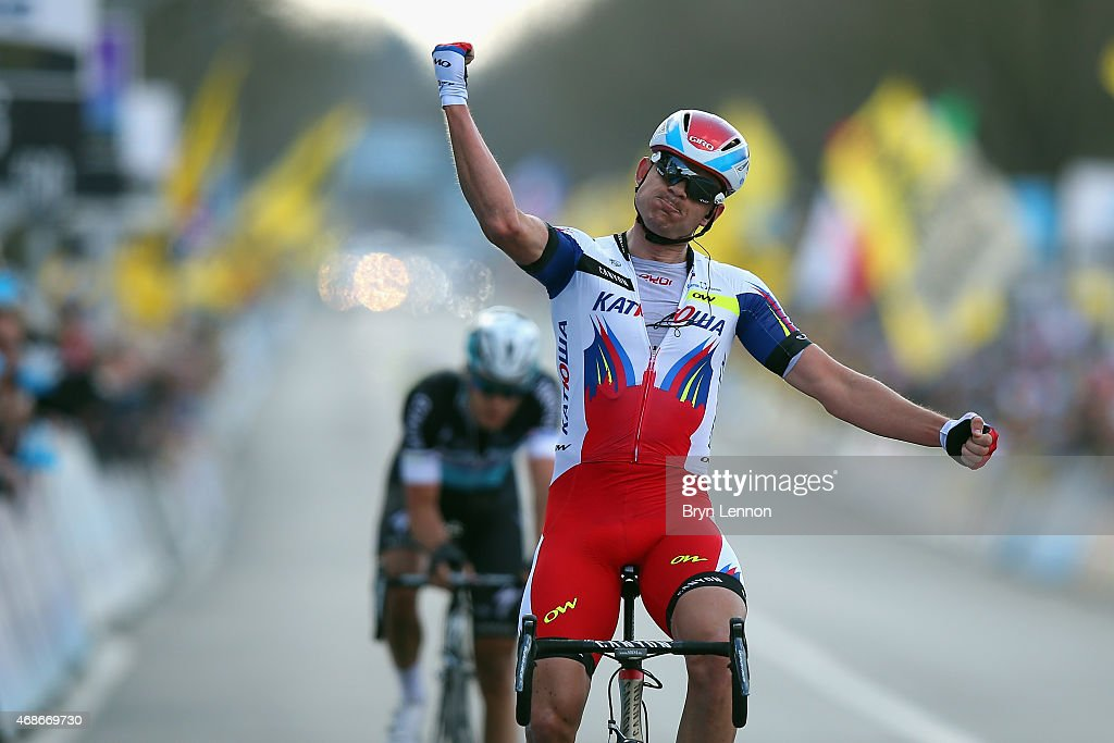 <a gi-track='captionPersonalityLinkClicked' href=/galleries/search?phrase=Alexander+Kristoff&family=editorial&specificpeople=6165249 ng-click='$event.stopPropagation()'>Alexander Kristoff</a> of Norway and Team Katusha celebrates winning the 2015 Tour of Flanders from Bruges to Oudenaarde on April 5, 2015 in Oudenaarde, Belgium.