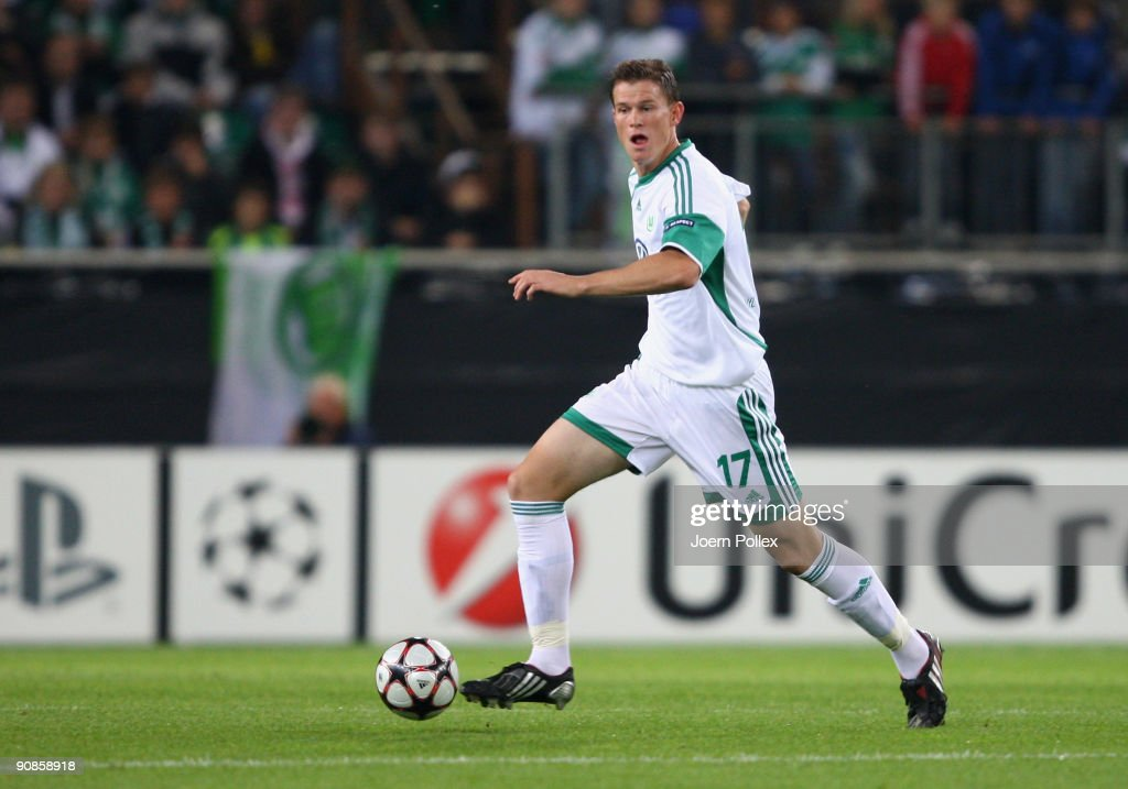 Alexander Madlung of Wolfsburg plays the ball during the UEFA Champions League Group B match between VfL Wolfsburg and CSKA Moscow at Volkswagen Arena on September 15, 2009 in Wolfsburg, Germany.