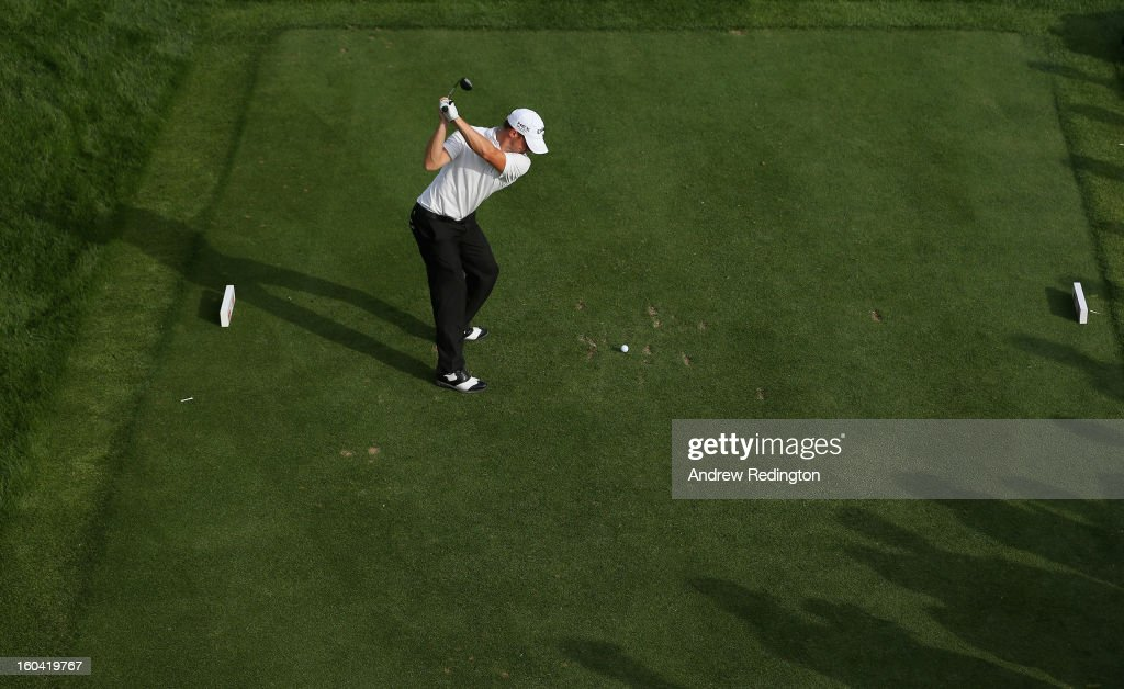 Alexander Noren of Sweden hits his tee-shot on the 17th hole during the first round of the Omega Dubai Desert Classic at Emirates Golf Club on January 31, 2013 in Dubai, United Arab Emirates.