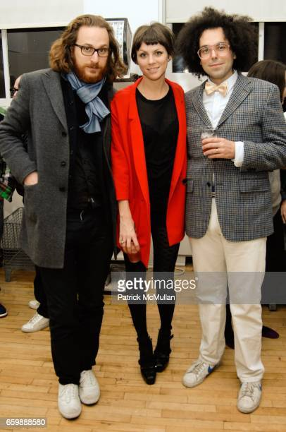 Alexander Olch Jennifer Murray and Kid America attend EVISU'S SCOTT MORRISON CARLOS QUIRARTE Celebrate the Holidays with TODD SELBY HARRY MCNALLY...