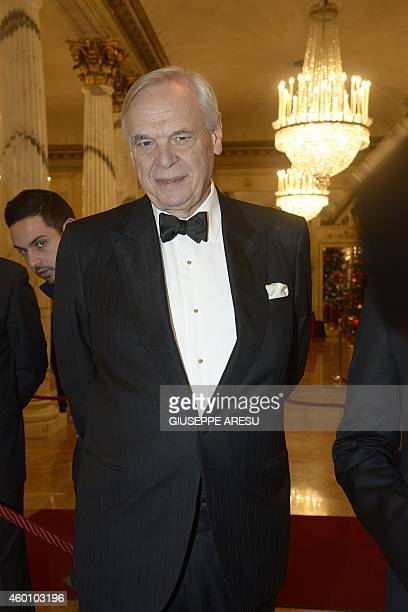 Alexander Pereira Superintendant of La Scala welcomes guests before the premiere of 'Fidelio' of Ludwig van Beethoven directed by Daniel Barenboim on...