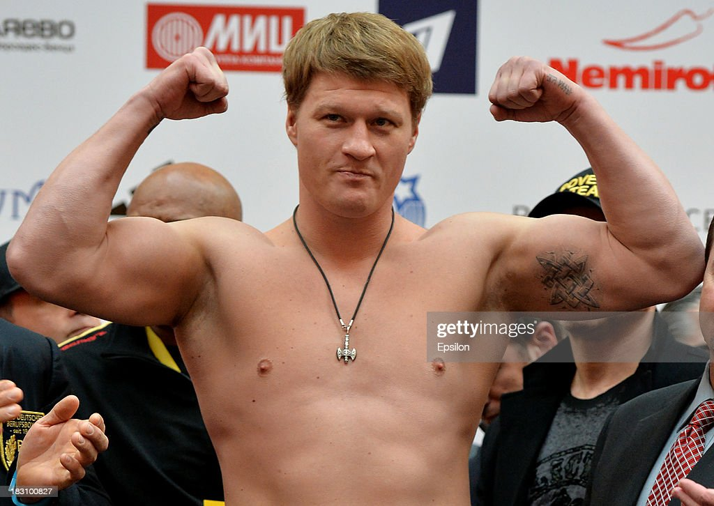 <a gi-track='captionPersonalityLinkClicked' href=/galleries/search?phrase=Alexander+Povetkin&family=editorial&specificpeople=2351769 ng-click='$event.stopPropagation()'>Alexander Povetkin</a> poses during the official weigh in at the Atrium shopping centre on October 4, 2013 in Moscow, Russia.