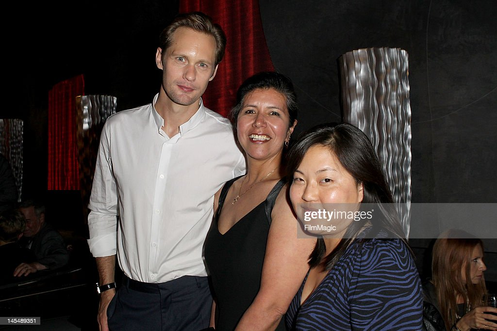 Alexander Skarsgard (L) and Direct TV Winners Lila Valadez and Luna Kang attend HBO's Season 5 Premiere Of 'True Blood' at ArcLight Cinemas Cinerama Dome on May 30, 2012 in Hollywood, California.