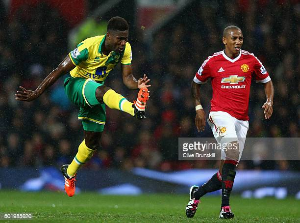Alexander Tettey of Norwich City scores his team's second goal during the Barclays Premier League match between Manchester United and Norwich City at...
