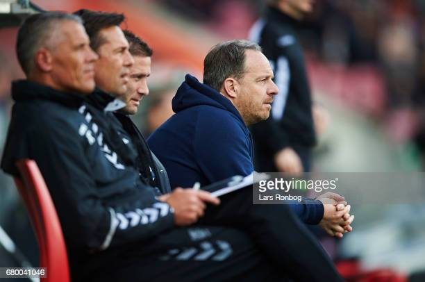 Alexander Zorniger head coach of Brondby IF looks on during the Danish Alka Superliga match between FC Midtjylland and Brondby IF at MCH Arena on May...