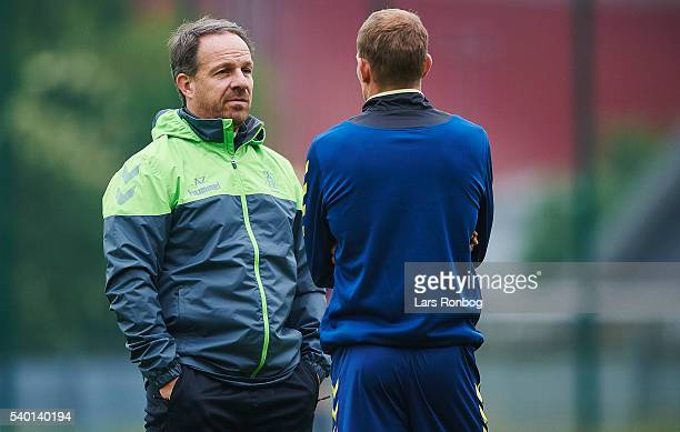 Alexander Zorniger head coach of Brondby IF speaks to Thomas Kahlenberg of Brondby IF during the Brondby IF training session at Brondby Stadion on...