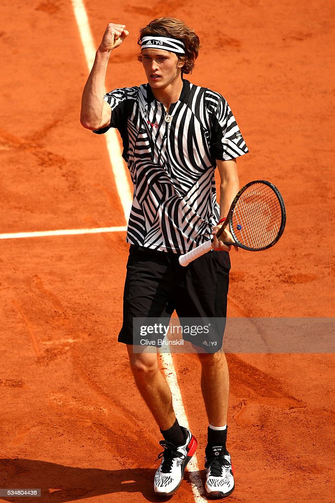<a gi-track='captionPersonalityLinkClicked' href=/galleries/search?phrase=Alexander+Zverev+-+Tennisser&family=editorial&specificpeople=11367343 ng-click='$event.stopPropagation()'>Alexander Zverev</a> of Germany celebrates during the Men's Singles third round match against Dominic Thiem of Austria on day seven of the 2016 French Open at Roland Garros on May 28, 2016 in Paris, France.