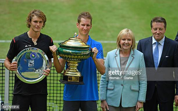 Alexander Zverev of Germany Florian Mayer of Germany Hannelore Kraft SPD prime minister of the German state of North RhineWestphalia and tournament...