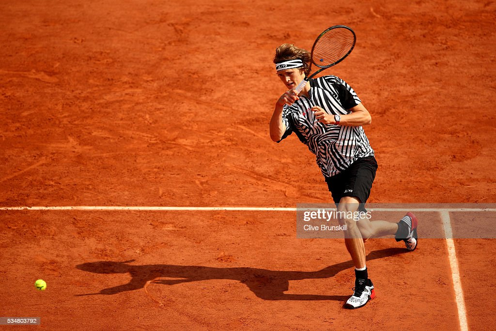 <a gi-track='captionPersonalityLinkClicked' href=/galleries/search?phrase=Alexander+Zverev+-+Tennisspieler&family=editorial&specificpeople=11367343 ng-click='$event.stopPropagation()'>Alexander Zverev</a> of Germany hits a forehand during the Men's Singles third round match against Dominic Thiem of Austria on day seven of the 2016 French Open at Roland Garros on May 28, 2016 in Paris, France.