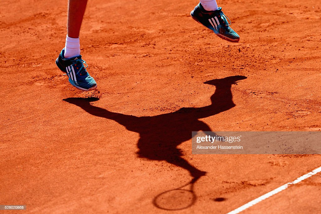 <a gi-track='captionPersonalityLinkClicked' href=/galleries/search?phrase=Alexander+Zverev+-+Tennisspieler&family=editorial&specificpeople=11367343 ng-click='$event.stopPropagation()'>Alexander Zverev</a> of Germany plays a fore hand during his quater final match against David Goffin of Belgium of the BMW Open at Iphitos tennis club on April 29, 2016 in Munich, Germany.