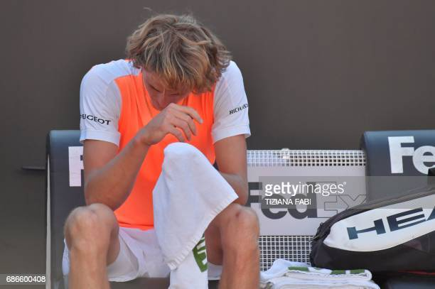 Alexander Zverev of Germany reacts after winning the ATP Tennis Open final against Novak Djokovic of Serbia on May 21 at the Foro Italico in Rome /...