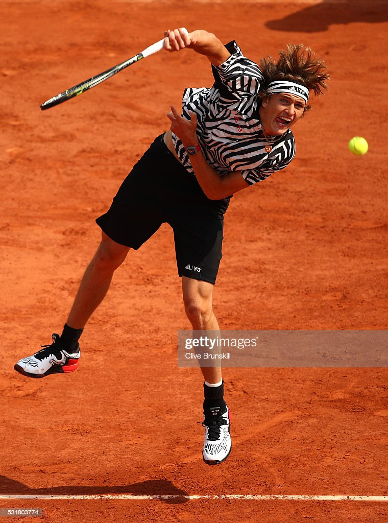 <a gi-track='captionPersonalityLinkClicked' href=/galleries/search?phrase=Alexander+Zverev+-+Tennis+Player&family=editorial&specificpeople=11367343 ng-click='$event.stopPropagation()'>Alexander Zverev</a> of Germany serves during the Men's Singles third round match against Dominic Thiem of Austria on day seven of the 2016 French Open at Roland Garros on May 28, 2016 in Paris, France.