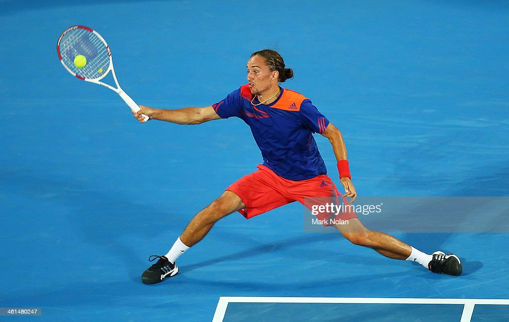 <a gi-track='captionPersonalityLinkClicked' href=/galleries/search?phrase=Alexandr+Dolgopolov&family=editorial&specificpeople=7025085 ng-click='$event.stopPropagation()'>Alexandr Dolgopolov</a> of the Ukraine plays a forehand in his match against Bernard Tomic of Australia during day five of the 2014 Sydney International at Sydney Olympic Park Tennis Centre on January 9, 2014 in Sydney, Australia.