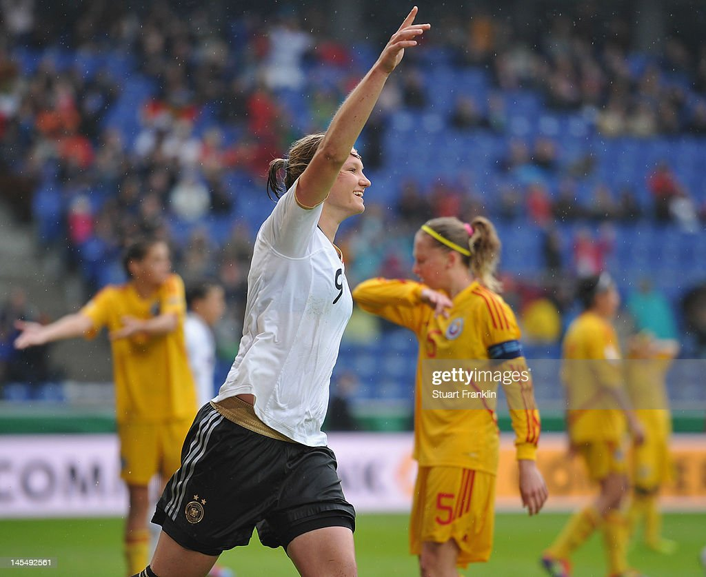 Germany v Romania - Women's Euro 2013 Qualifier