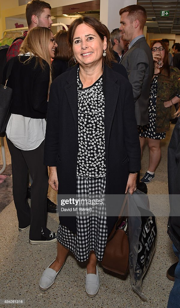 <a gi-track='captionPersonalityLinkClicked' href=/galleries/search?phrase=Alexandra+Shulman&family=editorial&specificpeople=215527 ng-click='$event.stopPropagation()'>Alexandra Shulman</a> attends a party hosted by Bay Garnett to celebrate the launch of her latest project 'Fanpages' enjoying Perrier-Jot at Dover Street Market on May 25, 2016 in London, England.