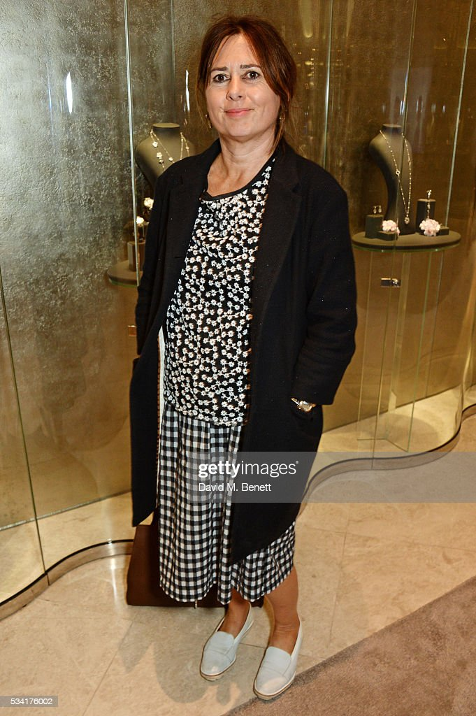<a gi-track='captionPersonalityLinkClicked' href=/galleries/search?phrase=Alexandra+Shulman&family=editorial&specificpeople=215527 ng-click='$event.stopPropagation()'>Alexandra Shulman</a> attends 'Boodles Cocktails With Friends' hosted by Sophie Dahl to celebrate the new campaign launch for British jewellery brand Boodles at their New Bond Street store on May 25, 2016 in London, England.