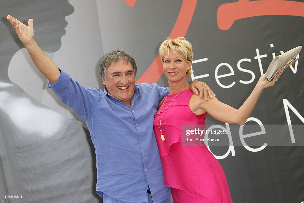 PBLV au Festival de Télévision Monte-Carlo Alexandre-fabre-and-rebecca-hampton-attend-plus-belle-la-vie-at-the-picture-id146306321