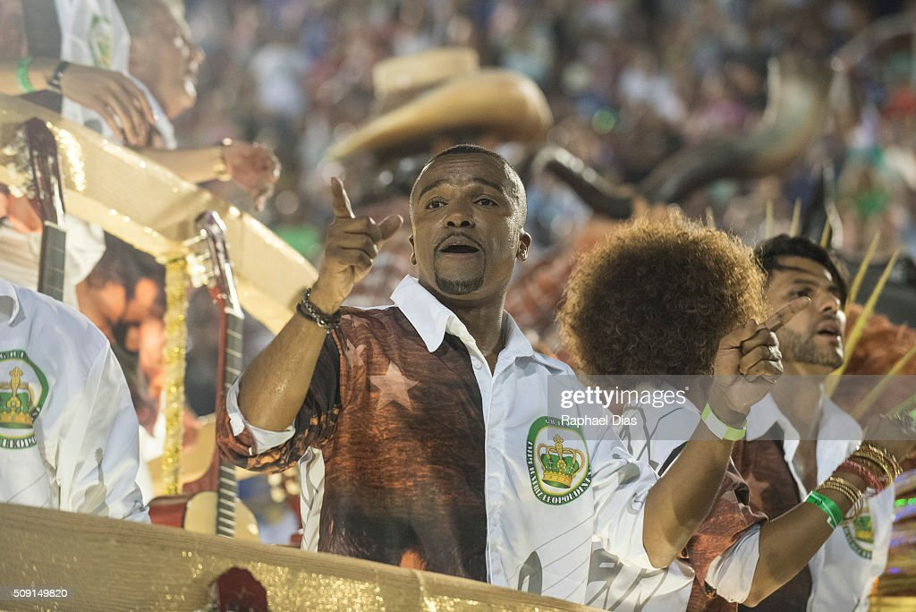 <a gi-track='captionPersonalityLinkClicked' href=/galleries/search?phrase=Alexandre+Pires&family=editorial&specificpeople=741736 ng-click='$event.stopPropagation()'>Alexandre Pires</a> attends to the Rio Carnival in Sambodromo on February 8, 2016 in Rio de Janeiro, Brazil. Despite the Zika virus epidemic, thousands of tourists gathered in Rio de Janeiro for the carnival.