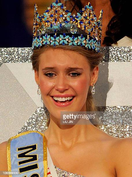 Alexandria Mills of the US reacts after crowned as the 2010 Miss World by 2009 Miss World Kaiane Aldorino from Gibraltar during the Miss World 2010...
