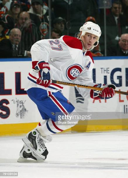 Alexei Kovalev of the Montreal Canadiens skates against the New York Islanders during their NHL game on January 15 2008 at the Nassau Coliseum in...