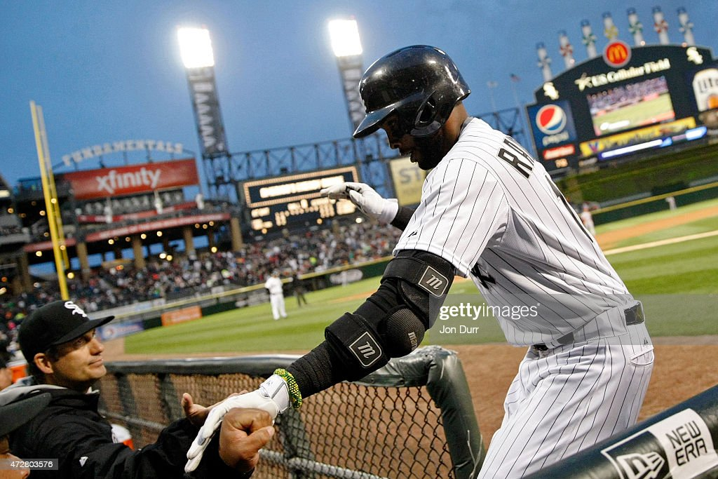 Alexei Ramirez #10 of the Chicago White Sox is congratulated by Manager Robin Ventura #23 after hitting a two run home run during the second inning against the Cincinnati Reds in the second game of a doubleheader on May 9, 2015 at U.S. Cellular Field in Chicago, Illinois.