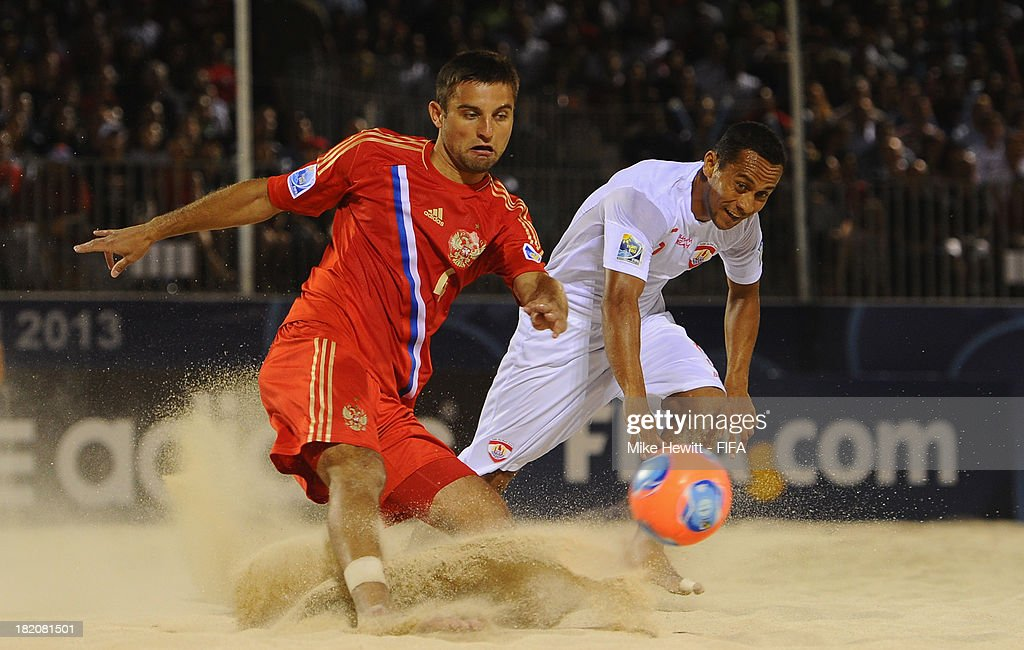 Alexey Makarov of Russia shoots during during the FIFA Beach Soccer World Cup Tahiti 2013 Semi Final match between Russia and Tahiti at the Tahua To'ata Stadium on September 27, 2013 in Papeete, French Polynesia.