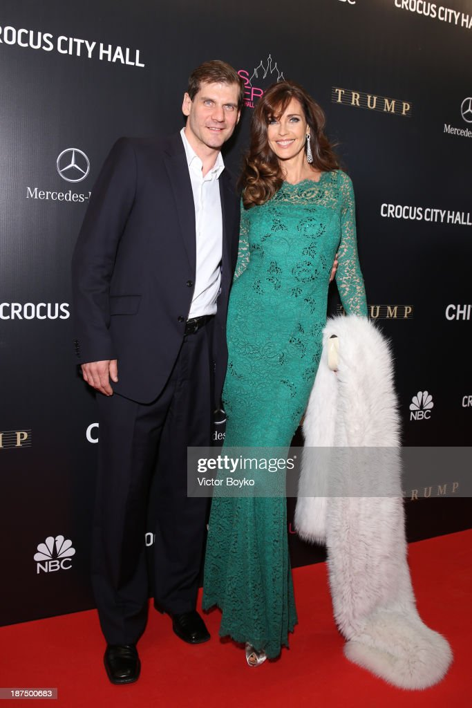 Alexey Yashin and Carol Alt attend the red carpet at Miss Universe Pageant Competition 2013 on November 9, 2013 in Moscow, Russia.