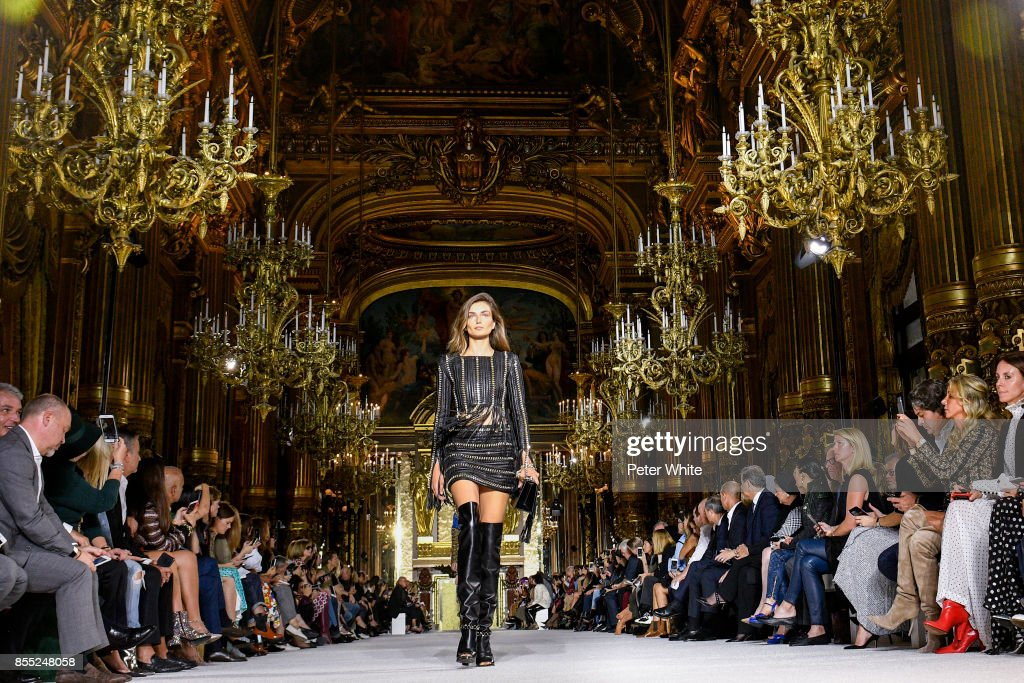 Balmain : Runway - Paris  Fashion Week Womenswear Spring/Summer 2018