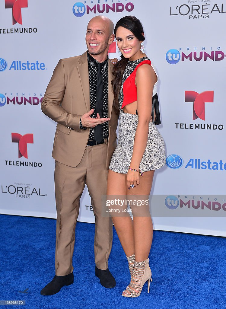 Alexis and Alexandra Pomales arrive at Telemundo's Premios Tu Mundo Awards 2014 at American Airlines Arena on August 21, 2014 in Miami, Florida.