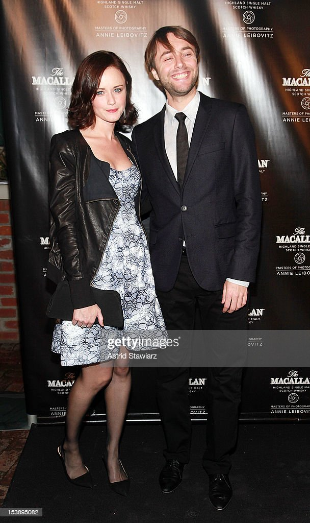 <a gi-track='captionPersonalityLinkClicked' href=/galleries/search?phrase=Alexis+Bledel&family=editorial&specificpeople=206123 ng-click='$event.stopPropagation()'>Alexis Bledel</a> and <a gi-track='captionPersonalityLinkClicked' href=/galleries/search?phrase=Vincent+Kartheiser&family=editorial&specificpeople=2996658 ng-click='$event.stopPropagation()'>Vincent Kartheiser</a> attend The Macallan Masters Of Photography Series at The Bowery Hotel on October 10, 2012 in New York City.