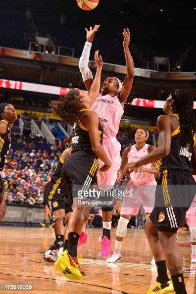 Alexis Hornbuckle of the Phoenix Mercury shoots against the Tulsa Shock on August 9 2013 at US Airways Center in Phoenix Arizona NOTE TO USER User...