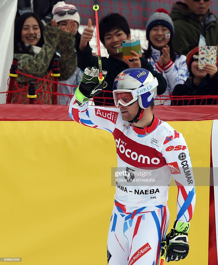 Alexis Pinturault of France celebrates marking the top time after crossing the finish line during the FIS Ski World Cup 2015/2016 men's giant slalom second run in Naeba, Niigata prefecture on February 13, 2016. AFP PHOTO / TOSHIFUMI KITAMURA / AFP / TOSHIFUMI KITAMURA