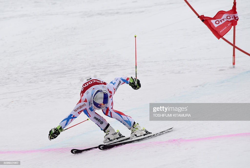 Alexis Pinturault of France crosses the finish line during the FIS Ski World Cup 2015/2016 men's giant slalom second run in Naeba, Niigata prefecture on February 13, 2016. AFP PHOTO / TOSHIFUMI KITAMURA / AFP / TOSHIFUMI KITAMURA