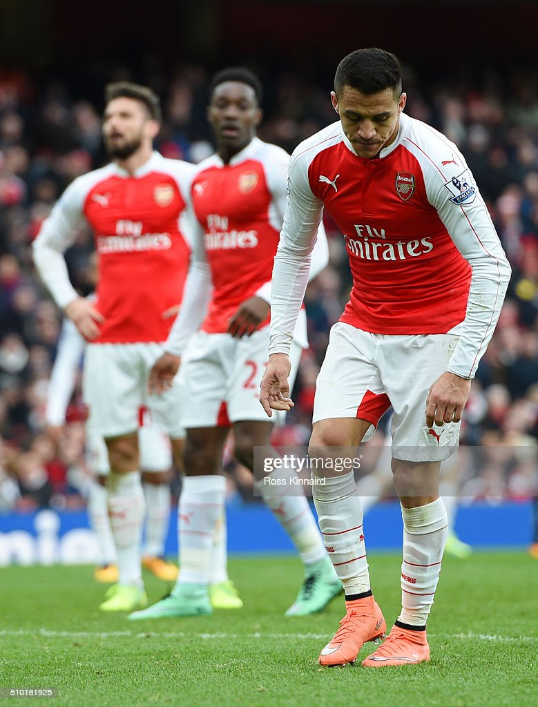 <a gi-track='captionPersonalityLinkClicked' href=/galleries/search?phrase=Alexis+Sanchez&family=editorial&specificpeople=5515162 ng-click='$event.stopPropagation()'>Alexis Sanchez</a>, <a gi-track='captionPersonalityLinkClicked' href=/galleries/search?phrase=Danny+Welbeck&family=editorial&specificpeople=4223930 ng-click='$event.stopPropagation()'>Danny Welbeck</a> and <a gi-track='captionPersonalityLinkClicked' href=/galleries/search?phrase=Olivier+Giroud&family=editorial&specificpeople=5678034 ng-click='$event.stopPropagation()'>Olivier Giroud</a> of Arsenal show their frustration during the Barclays Premier League match between Arsenal and Leicester City at Emirates Stadium on February 14, 2016 in London, England.