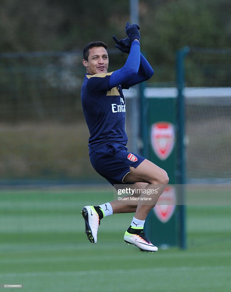 <a gi-track='captionPersonalityLinkClicked' href=/galleries/search?phrase=Alexis+Sanchez&family=editorial&specificpeople=5515162 ng-click='$event.stopPropagation()'>Alexis Sanchez</a> of Arsenal during a training session at London Colney on April 29, 2016 in St Albans, England.