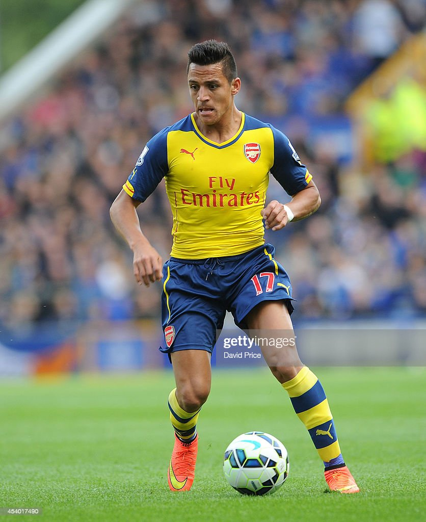 <a gi-track='captionPersonalityLinkClicked' href=/galleries/search?phrase=Alexis+Sanchez&family=editorial&specificpeople=5515162 ng-click='$event.stopPropagation()'>Alexis Sanchez</a> of Arsenal during the Barclays Premier League match between Everton and Arsenal at Goodison Park on August 23, 2014 in Liverpool, England.