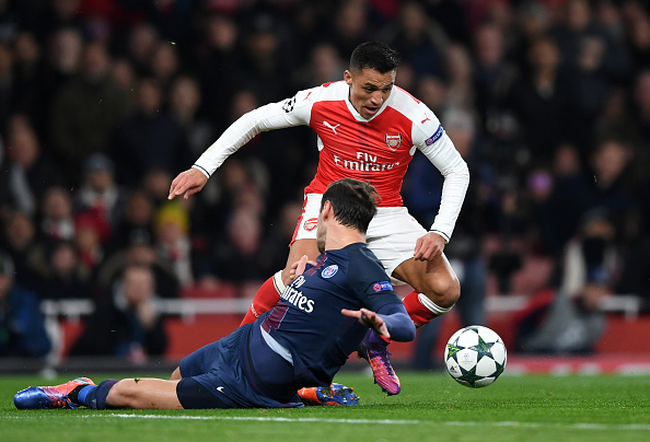 Arsenal FC v Paris Saint-Germain - UEFA Champions League : News Photo