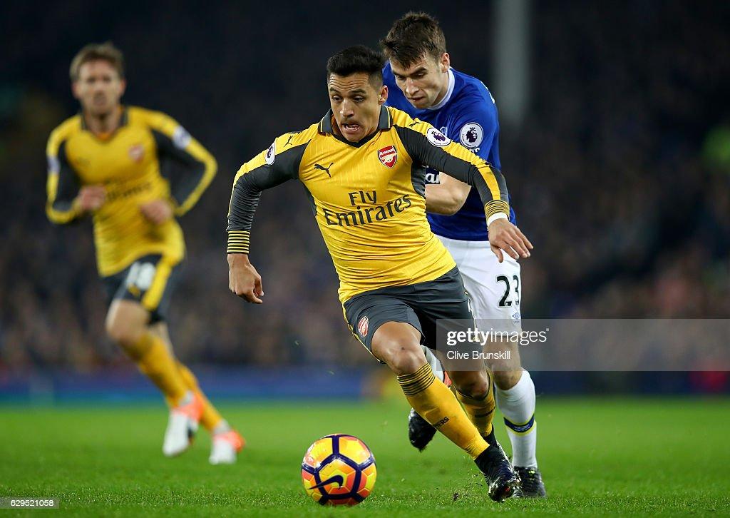 Everton v Arsenal - Premier League : News Photo