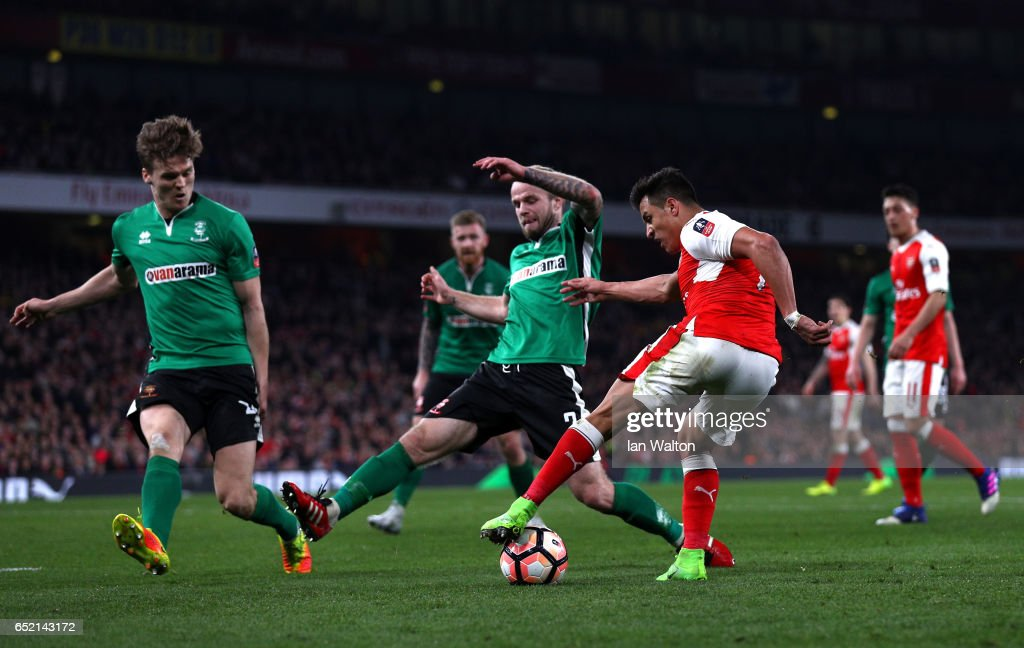 Arsenal v Lincoln City - The Emirates FA Cup Quarter-Final : News Photo