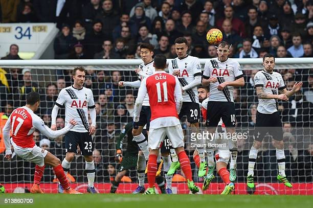 Alexis Sanchez of Arsenal takes a free kick during the Barclays Premier League match between Tottenham Hotspur and Arsenal at White Hart Lane on...