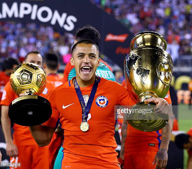 Alexis Sanchez of Chile celebrates the win over Argentina during the Copa America Centenario Championship match at MetLife Stadium on June 26 2016 in...