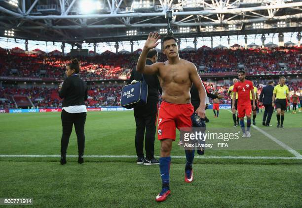 Alexis Sanchez of Chile shows appreciation to the fans after the FIFA Confederations Cup Russia 2017 Group B match between Chile and Australia at...