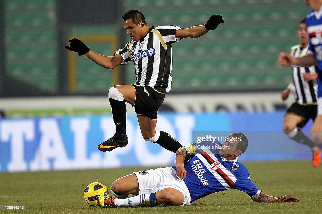 <a gi-track='captionPersonalityLinkClicked' href=/galleries/search?phrase=Alexis+Sanchez&family=editorial&specificpeople=5515162 ng-click='$event.stopPropagation()'>Alexis Sanchez</a> of Udinese Calcio fights for the ball with <a gi-track='captionPersonalityLinkClicked' href=/galleries/search?phrase=Angelo+Palombo&family=editorial&specificpeople=675950 ng-click='$event.stopPropagation()'>Angelo Palombo</a> of UC Sampdoria during the Serie A match between Udinese Calcio and UC Sampdoria at Stadio Friuli on February 5, 2011 in Udine, Italy.