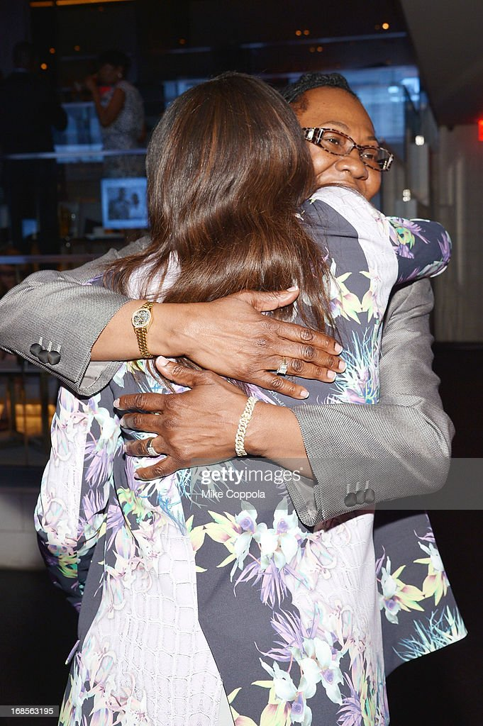 Alexis Stoudemire (L) and CEO of the Shawn Carter Foundation Gloria Carter attend the Shawn Carter Foundation's Mother's Day event 'Celebrating Mothers, Our First Educators' at 40 / 40 Club on May 11, 2013 in New York City.