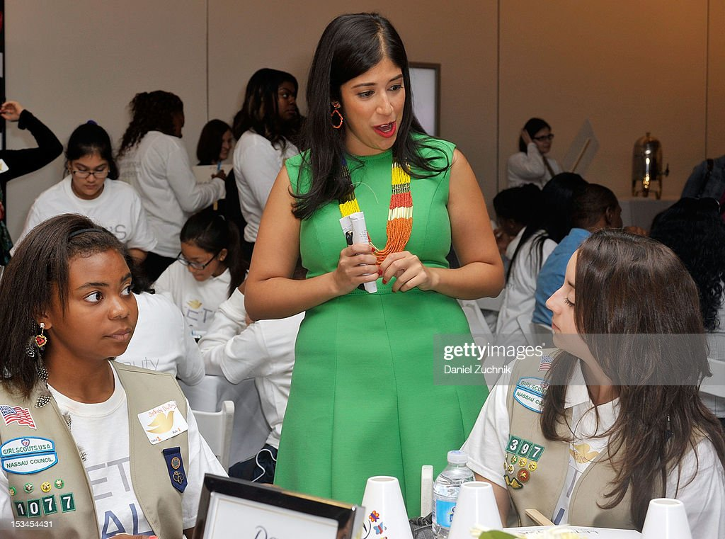 Alexis Tirado(C) attends the 3rd Annual Dove Self-Esteem Weekend in Times Square on October 5, 2012 in New York City.