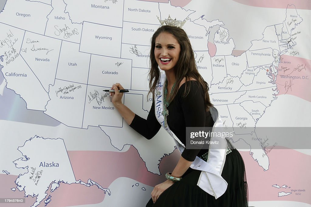 Alexis Victoria Duprey, Miss New Mexico attends 2014 Miss America Contestants Photo Call at Kennedy Plaza on September 3, 2013 in Atlantic City, New Jersey.