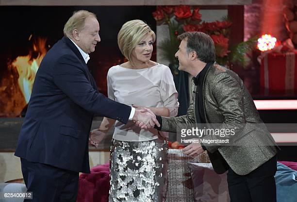 Alfons Schubeck Carmen Nebel and Patrick Lindner during the tv show 'Heiligabend mit Carmen Nebel' on November 23 2016 in Munich Germany The show...