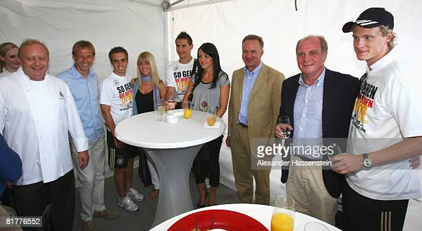 Alfons Schuhbeck chef of Bayern Munich Juergen Klinsmann head coach of Bayern Munich Philipp Lahm of the German national team his girlfriend Claudia...