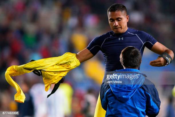 Alfonso Blanco goalkeeper of Pachuca gives his jersey to a fan during the semifinal match between Pachuca and Atlante as part of the Copa MX Apertura...